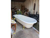 VINTAGE CAST IRON ROLL TOP CLAWFOOT BATH TUB
