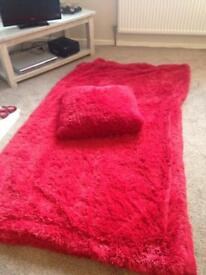 Red Supersoft throw and cushions