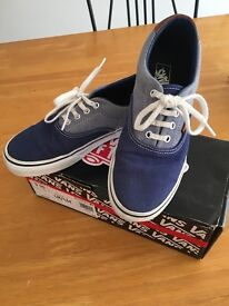 Vans off the Wall Blue Boys shoe size 3