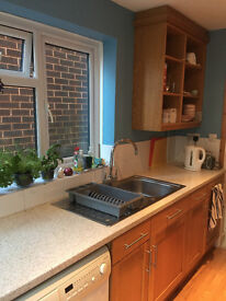 Fabulous recently redecorated unfurnished 2 bedroom house £780pcm