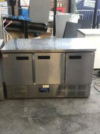 Commercial bench counter pizza fridge for pizza meat chiller restaurant dvdss