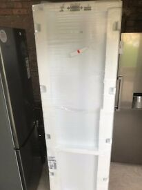 BOSCH FRIDGE FREEZER: MODEL KGN39VW31G NoFrost bottom freezer with A++ rating