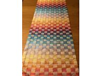 6 Beautiful Missoni placemats and a matching table runner