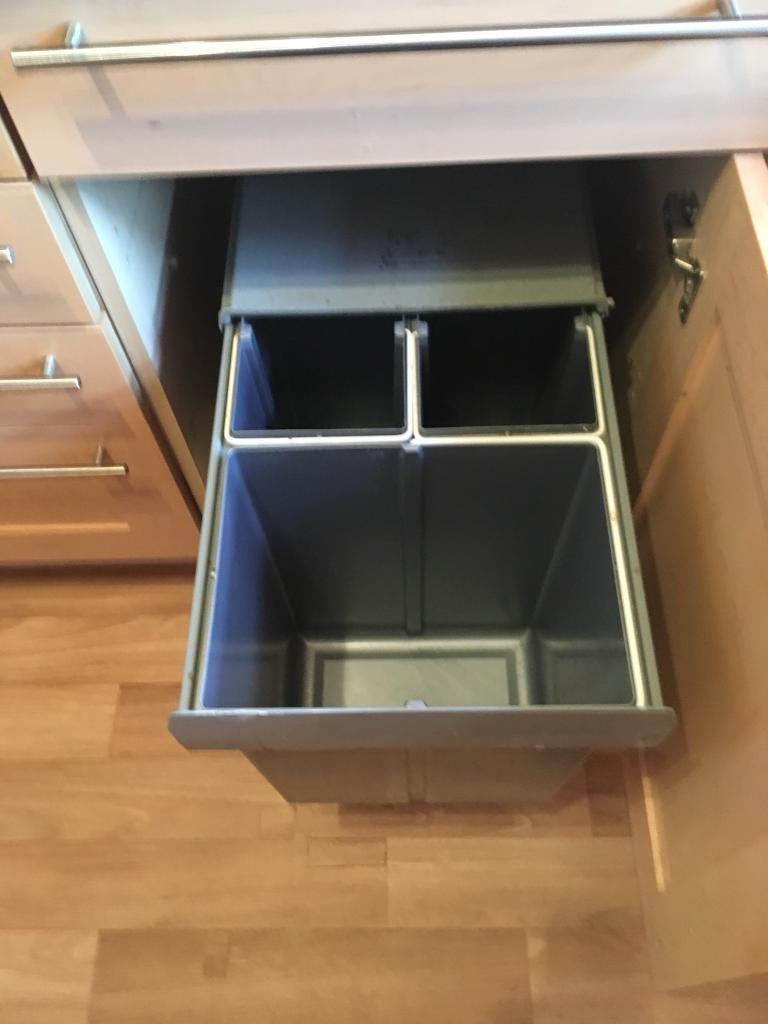 integrated Pull out Kitchen Bin