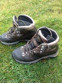 £180 Wonderful Zamberlan High Quality Walking Boots Navy Leather size 5 4