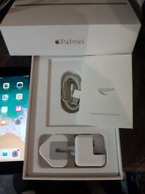 ipad mini 4, 4G and WiFi, unlocked, boxed and everything included