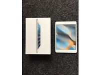 Ipad Mini 1st Generation with box, charger, 2 cases, screen protector
