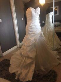 Brand New Wedding Dress (Ex Stock) Size 14/16 RRP £1200