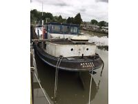 Characterful Dutch Barge - Actief