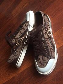 Ladies Guess trainers size 5/5.5