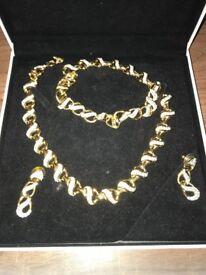 Swarovski 3 piece jewellery set