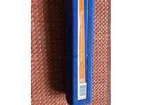 Never used Draper 30357 1/2 inch drive torque wrench. 30-210Nm