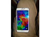 SAMSUNG GALAXY S5 WHITE AND IN GOOD CONDITION