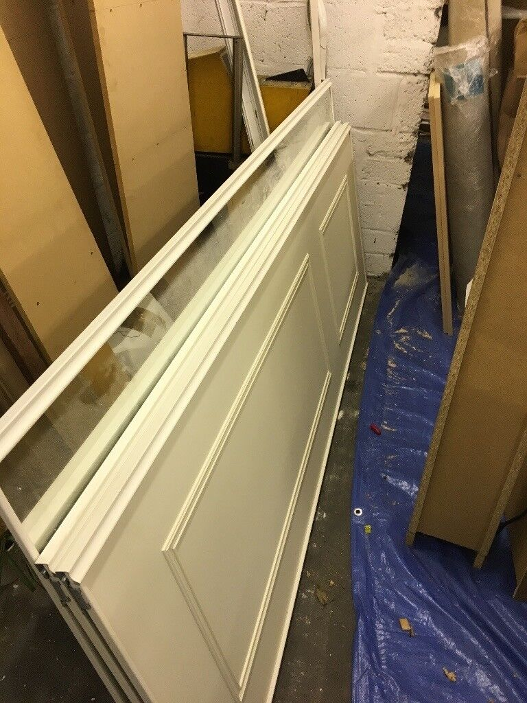 Fitted sliding wardrobe doors