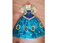Disney dressing up dress age 5-6