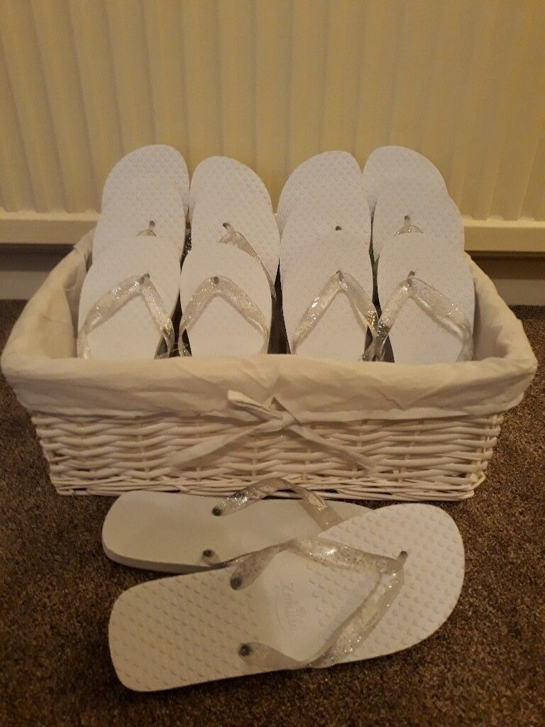 00547ed6bb8e9 7 x wedding zohula flip flops in the original basket (ideal for evening  reception)