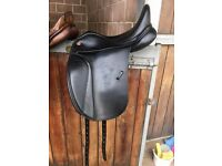 "17"", Kent and Masters, S Series Dressage Saddle (Currently fitted with a medium-wide gullet)"