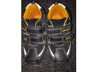 Clarks boys toddler shoes 5.5f
