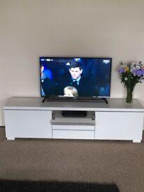 IKEA HIGH GLOSS TV UNIT (still for sale 21/03/18)