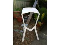 6 Miura Plastic bar breakfast bar stools white £15 each 6 available