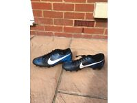 Men's Nike galaxy football boots £25
