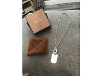 Gucci crest silver necklace