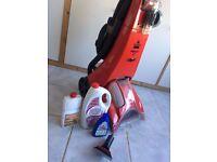 Bissell PROHEAT II carpet cleaner washer vaccum & 3 bottles original Bissell Sampoo cleaner