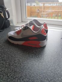 Nike air max trainers size 2 ( like new )