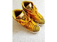 Nike High Tops - mustard/black
