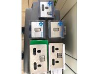 Screwless plug sockets / light switches