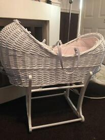 Clair de lune white wicker Moses basket with rocking stand