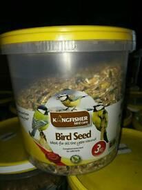 Job lot 80 tubs of 3kg bird seed