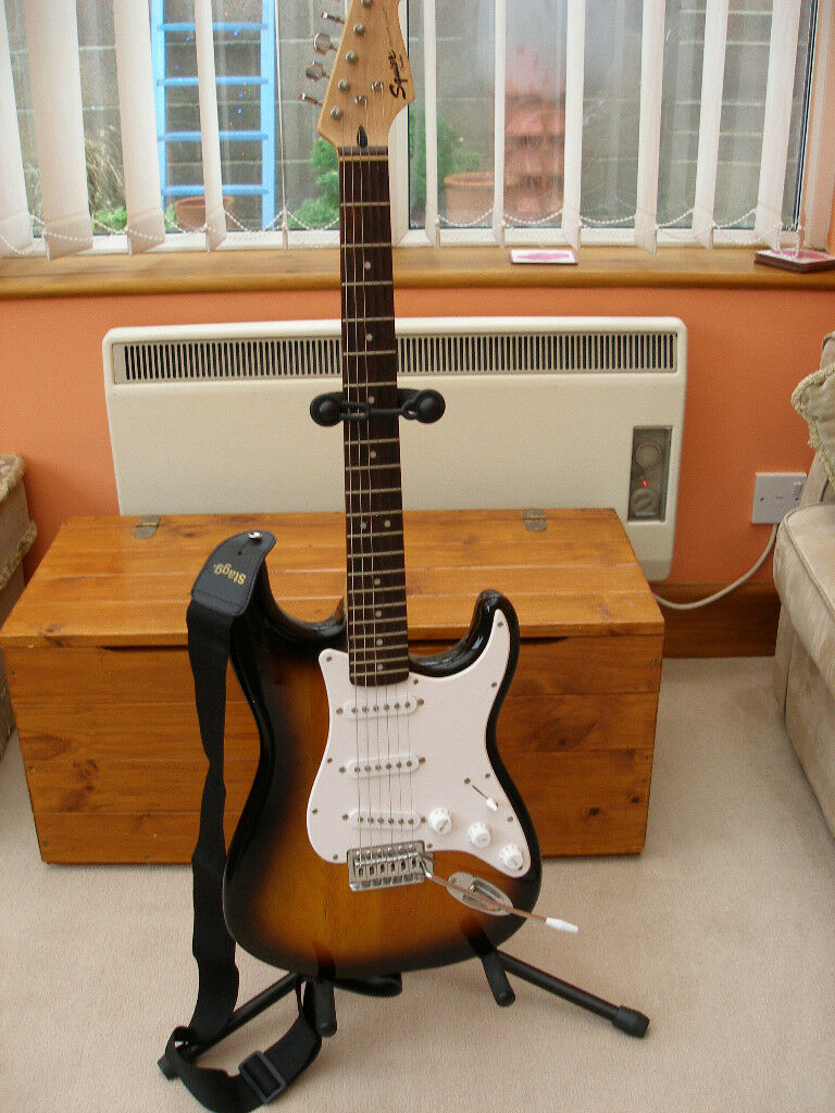 squier fender bullet strat electric guitar and stand in weymouth dorset gumtree. Black Bedroom Furniture Sets. Home Design Ideas