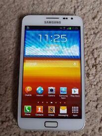 Samsung Note 16GB GT-N7000 Ceramic white