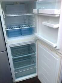 Fridge freezer, medium LEC