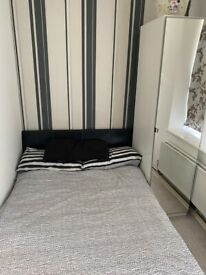 Double Room, share flat with 2 prof people. Within 8 mins walk to Canada Water, Rotherhithe Station.