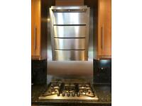 Extractor hood and five burners gas hob