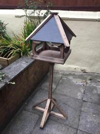 Lovely looking ornate birdhouse ***NEW***