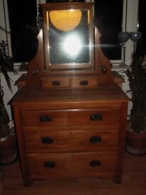 ANTIQUE DRESSING TABLE WITH MIRROR..