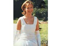 Stunning Catherine Rayner Vintage Wedding Dress 100% silk. Size 12 - Great Condition
