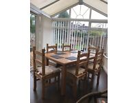 Lovely light oak dinning table plus 6 chairs