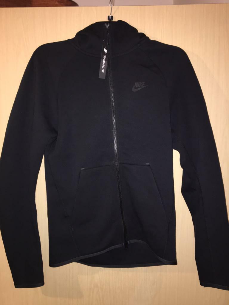 the best attitude c1cd0 a2274 New Nike Black Tech Fleece Hoodie XS | in Clapham, London | Gumtree