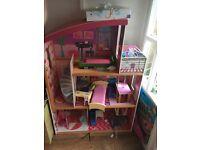 Kidkraft 3 storey dollshouse