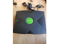 Original Xbox Console with all Cables and 1 Controller