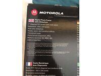 Motorola Digital Photo Frame with Slideshow model MF700