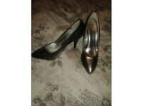 Metallic high heel shoes, size 7, worn once