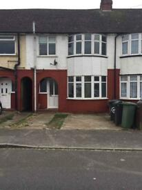 3 bedrooms house to rent close to L&D hospital