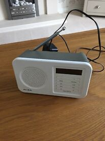 Small Dab Radio white/grey battery or mains ex condition