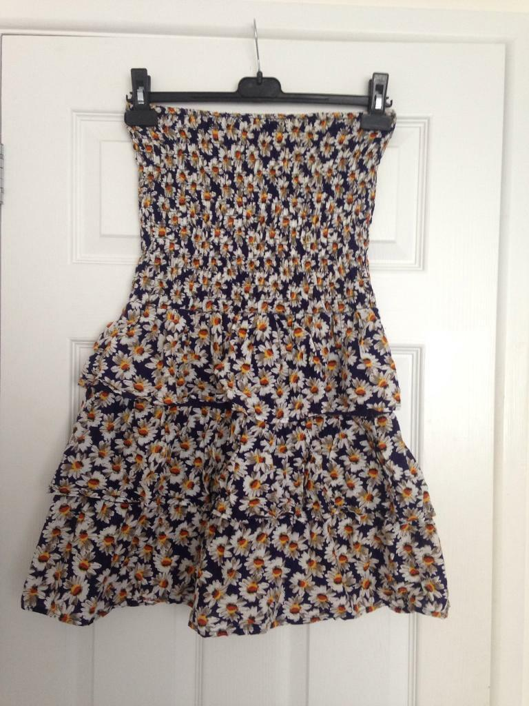 Daisy patterned summer dress size 10