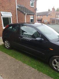 Ford focus. Black 3door. £695